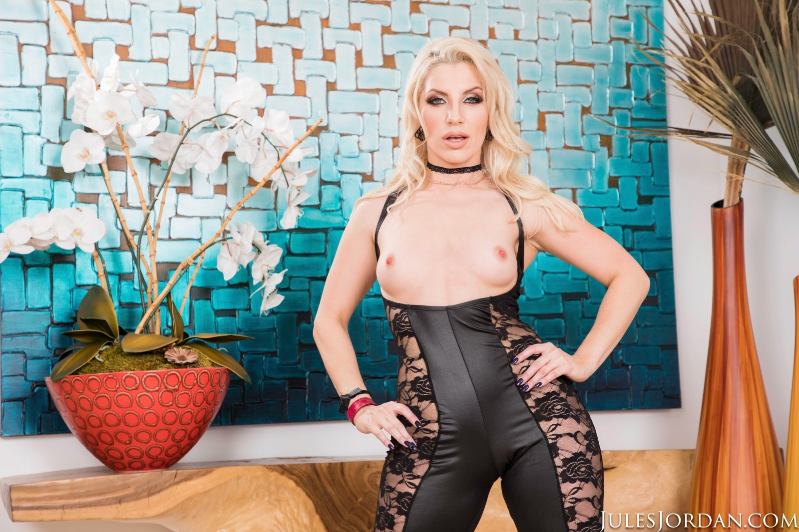Ashley Fires - Dredd Up Your Ass | Picture (1)