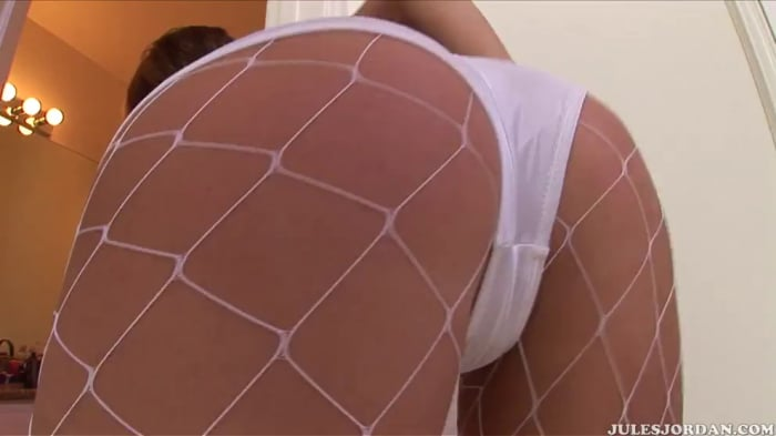 Eve Lawrence in Ass Worship 9
