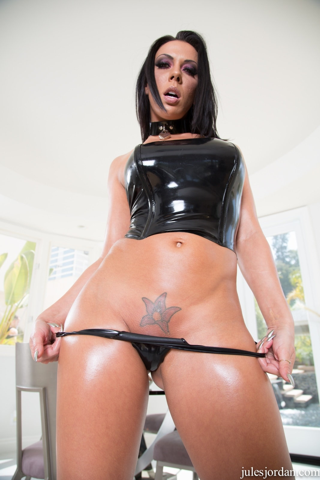 Brazzers spandex clad kelly divine oils up her bigass 7